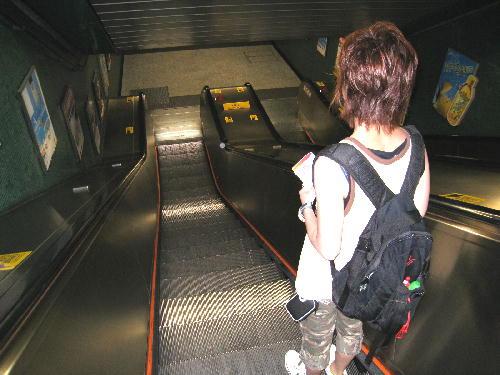 いよいよ地下鉄に乗るのです.JPG