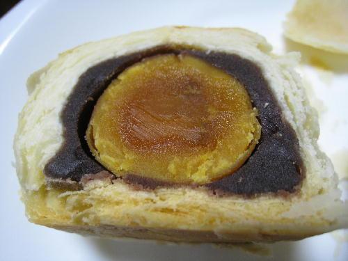 豆沙蛋黄酥2@同發.JPG