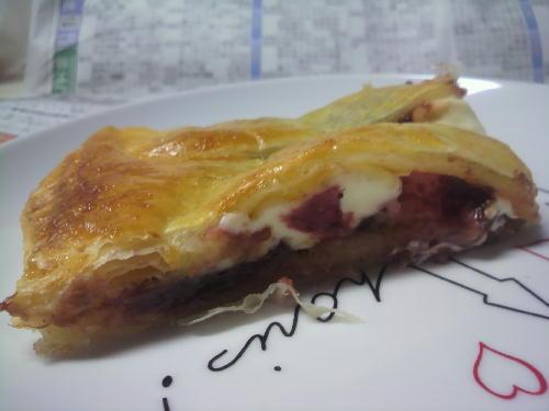 ストロベリーチーズパイ3.JPG